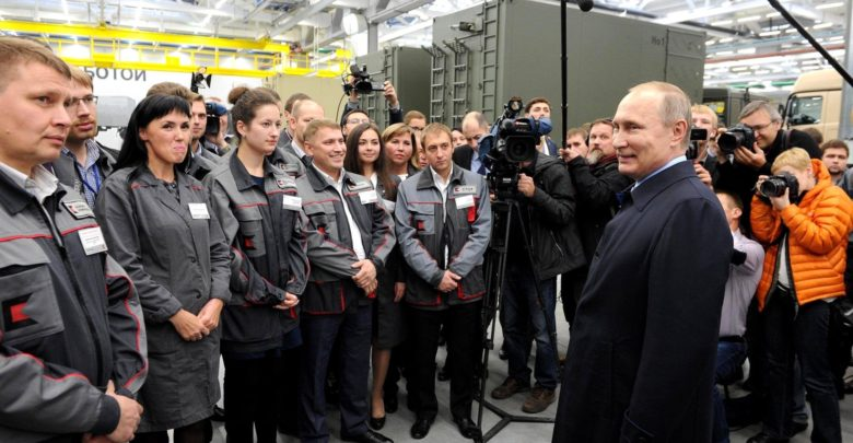 Putin meeting with Kalashnikov Concern employees