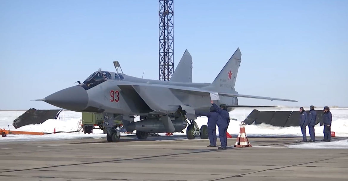 Russia MiG-31 carrying Kinzhal hypersonic missile