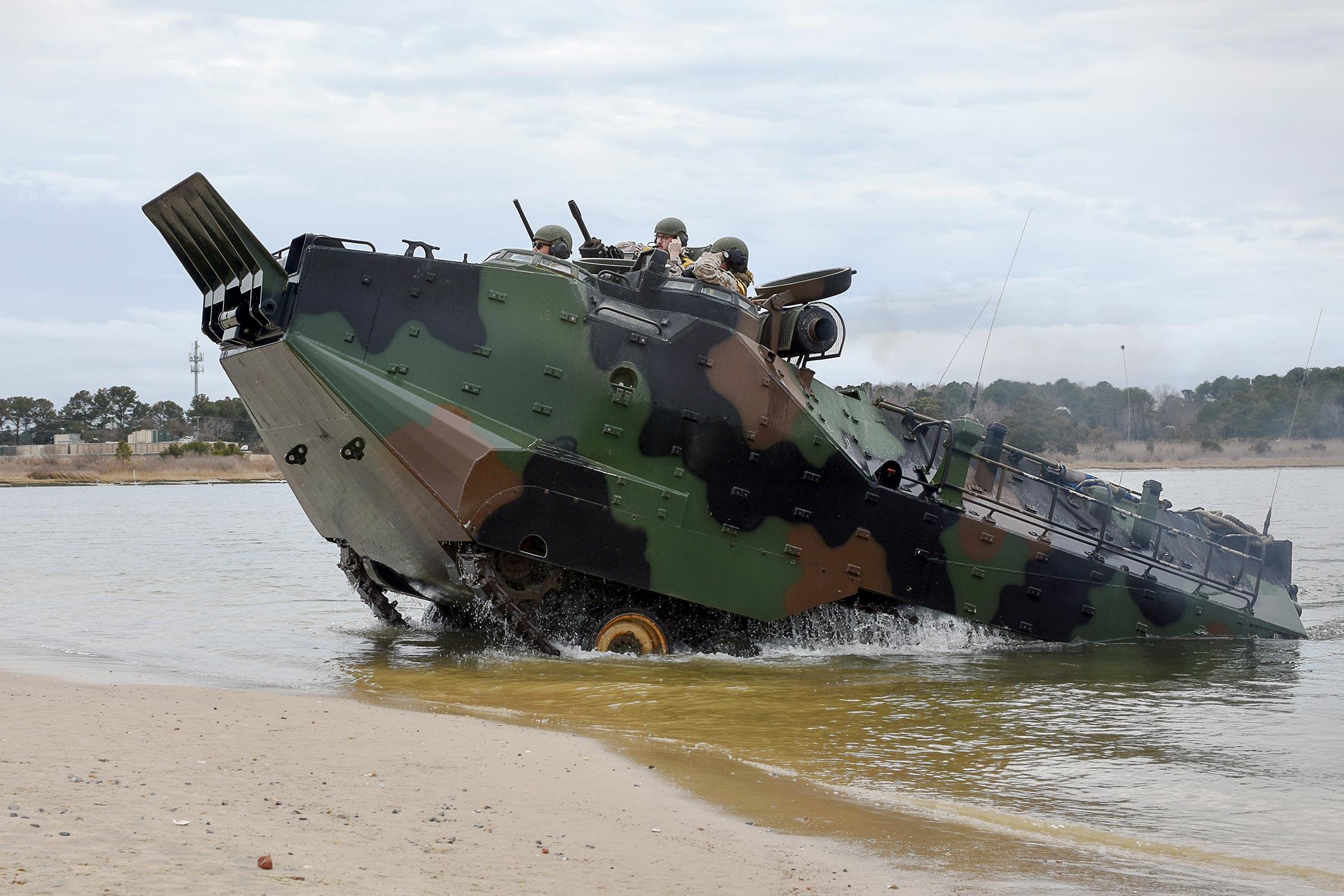 Bae To Produce 36 Assault Amphibious Vehicles For Taiwan