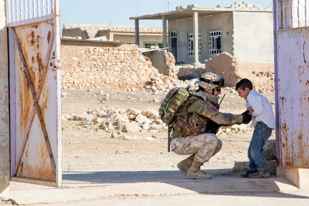 Italy soldier at Iraq school