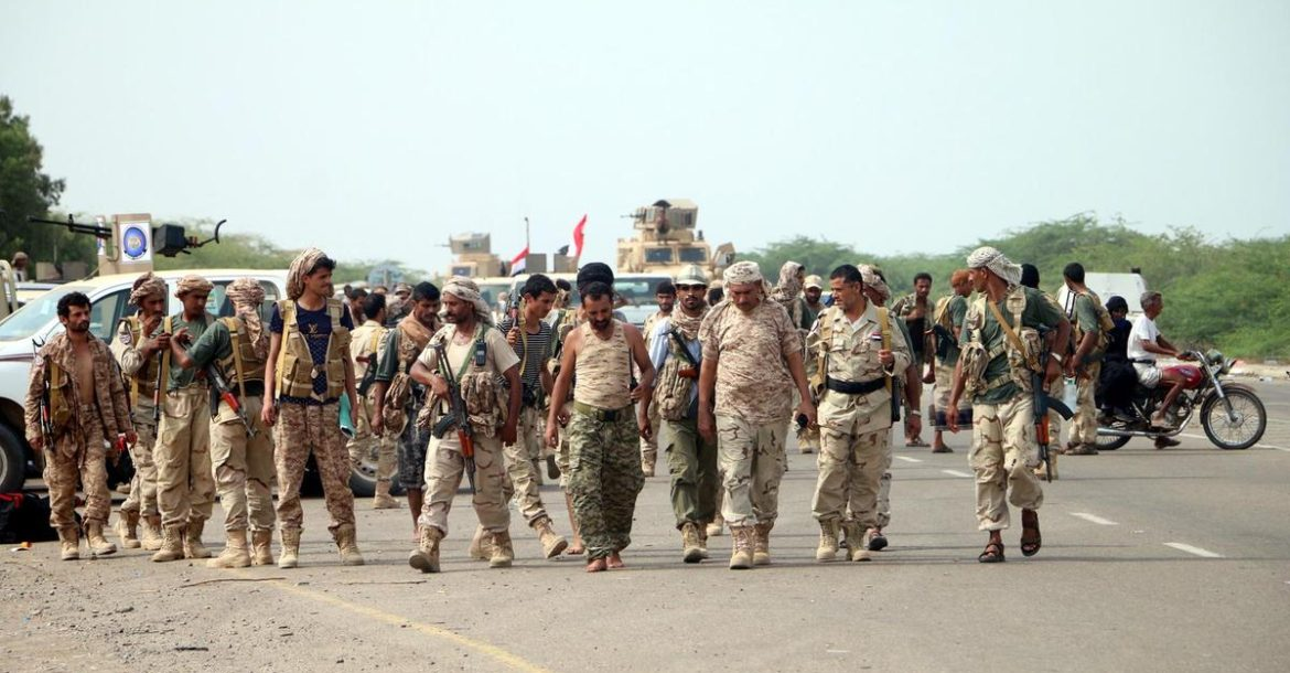 Yemeni forces and Saudi-led coalition send reinforcements toward Hodeidah port