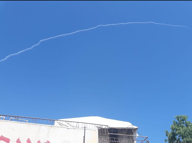 Photograph showing what appear to be contrails of a Patriot missile fired at a UAV launched at Israel from Syria on July 11, 2018. Image: Ella Dagan/Noga Tarnopolsky/Twitter