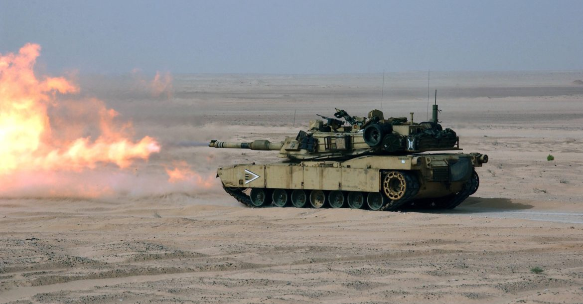 US Marines fire the M-A1 Abrams tank