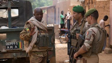 French and Malian troops patrol Menaka
