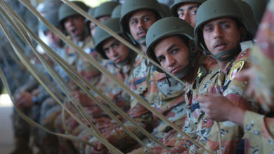 Egyptian and American paratroopers conduct rehearsals