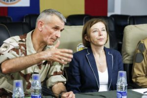 Minister Florence Parly meets General Blachon in Chad