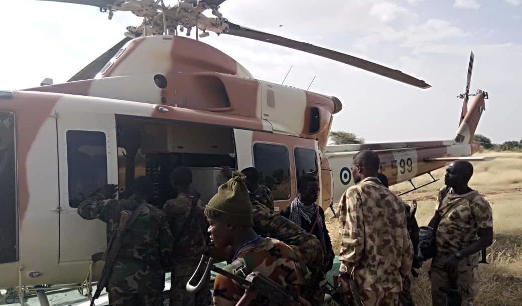 Helicopter evacuates wounded from Gashigar