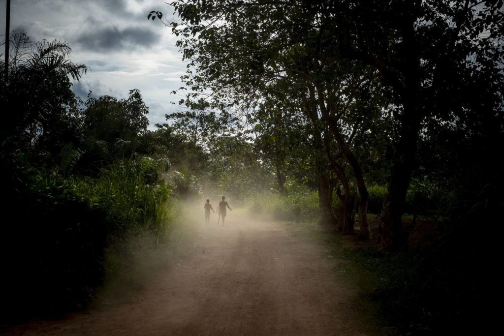 Children on the road in Bamba 2 Village, on the outskirts of Bangui, Central African Republic