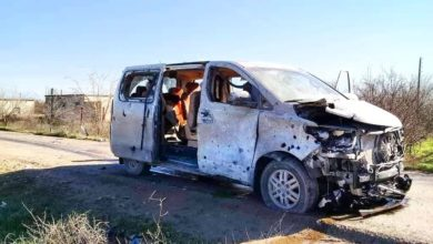 Minibus struck by roadside bomb in Manbij, Syria