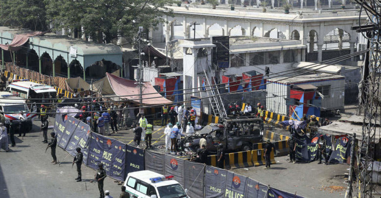 Suicide bomb in Lahore