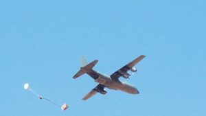 Aircraft drops supplies to Niger troops