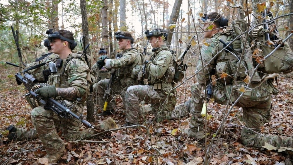 Soldiers using Integrated Visual Augmentation System (IVAS) in training.