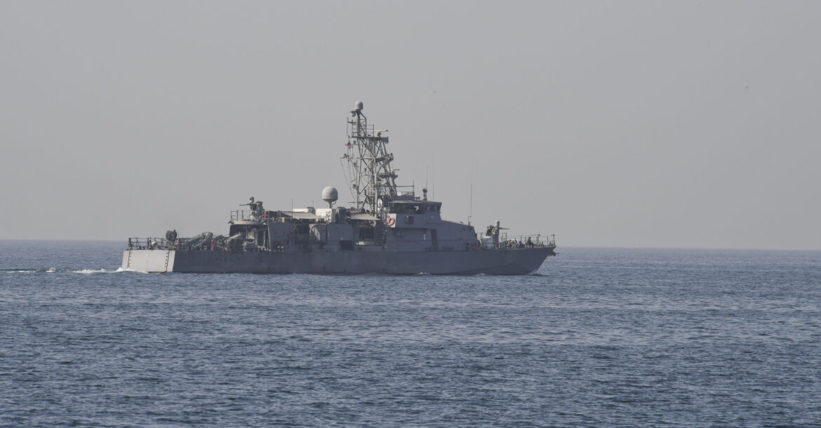Coastal patrol ship USS Firebolt (PC 10) cruises in the southern Arabian Gulf, January 27, 2018.