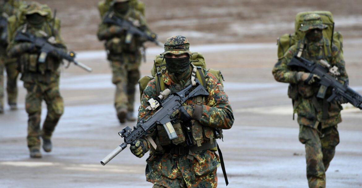 German soldiers and weapons
